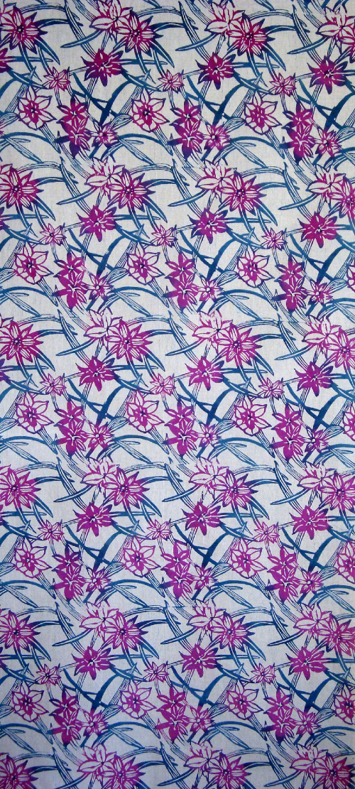 Katazome, Tulip pattern, natural pigments on linen/cotton blend. © Kit Eastman